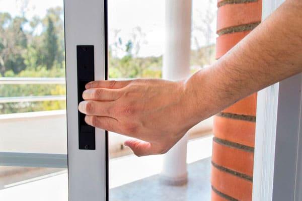 Puertas de aluminio para terrazas en Ajalvir